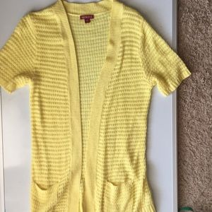 Pastel yellow short sleeve cardigan